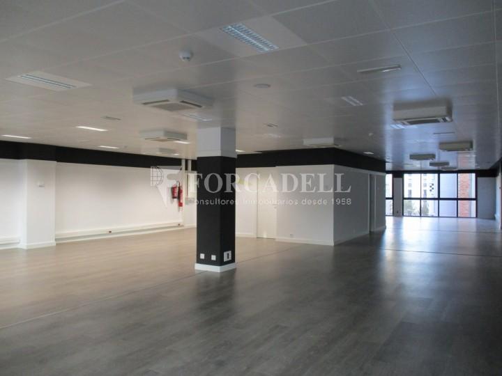Oficina recentment reformada en lloguer al carrer Aragó. Barcelona. #5