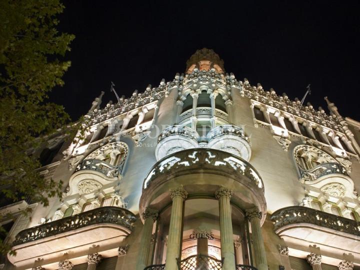 Oficina espectacular en lloguer al Quadrat d'Or de Barcelona. Passeig de Gràcia. 1