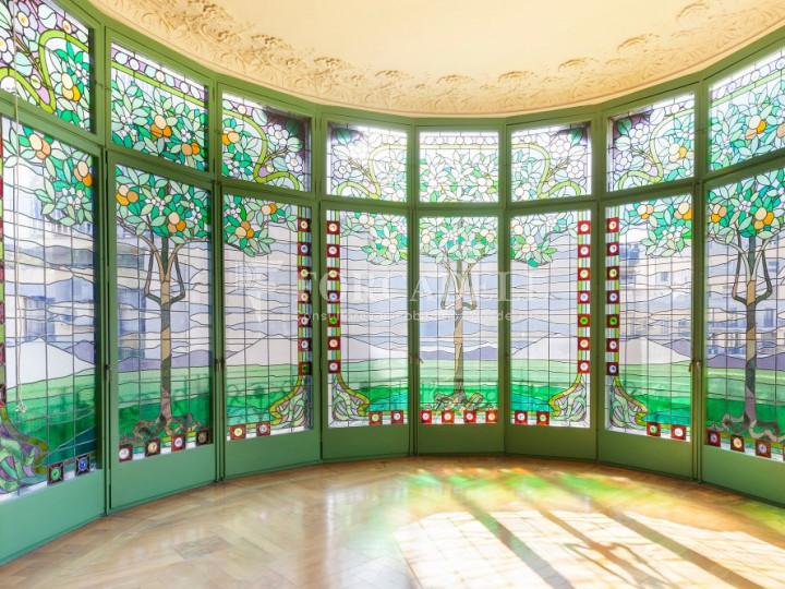 Oficina espectacular en lloguer al Quadrat d'Or de Barcelona. Passeig de Gràcia. 20