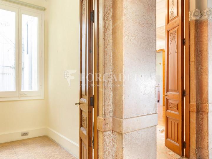 Oficina espectacular en lloguer al Quadrat d'Or de Barcelona. Passeig de Gràcia. 23