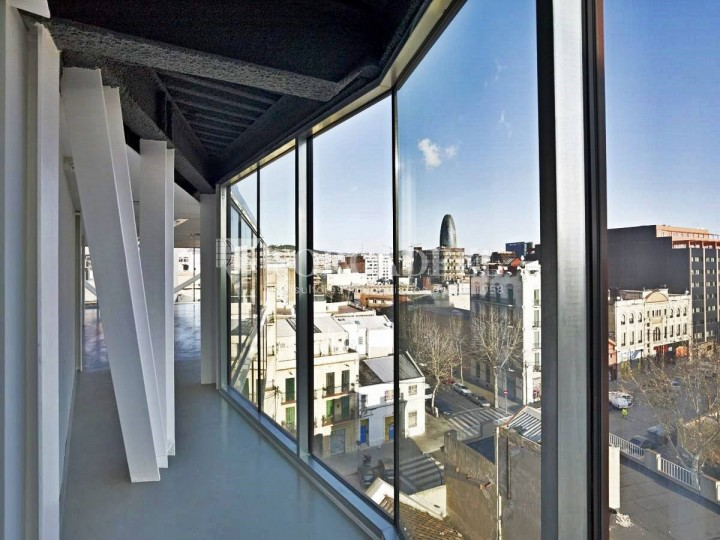 Oficina exterior i lluminosa en lloguer al districte de 22@. Barcelona. #3