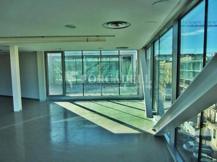 Oficina exterior i lluminosa en lloguer al districte de 22@. Barcelona. #4