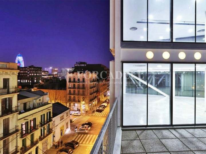 Oficina exterior i lluminosa en lloguer al districte de 22@. Barcelona. #6
