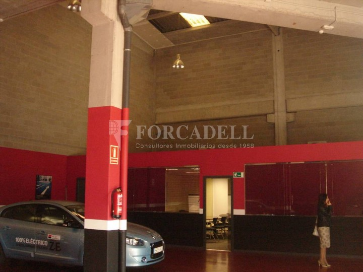 Nau industrial de lloguer de 662 m² - Barcelona #2