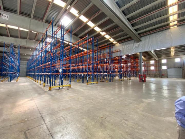 Nau logística en lloguer de 4.061 m² - Lliçà de Vall, Barcelona. 3