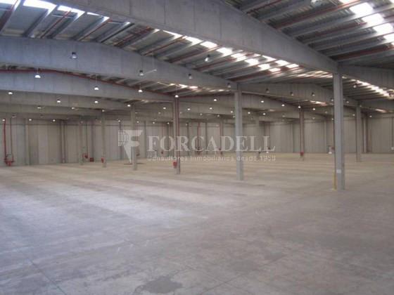 Nave logística - industrial de 9.738  m² en venta o  alquiler - El Pla Santa Maria. Tarragona 7