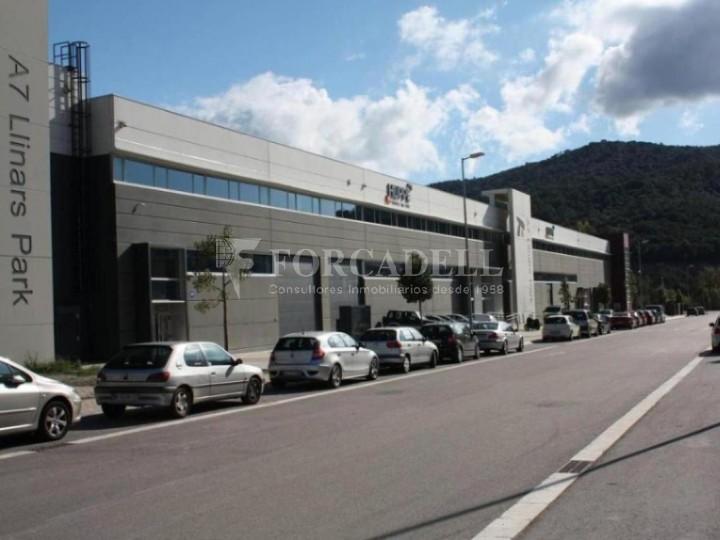 Nau industrial de 6.489 m² a lloguer - Llinars del Vallès, Barcelona #1
