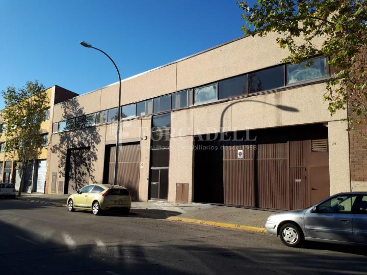 Nau industrial en lloguer de 4.306 m² - Sabadell, Barcelona #1