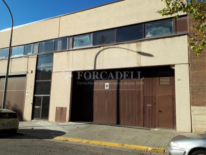 Nau industrial en lloguer de 4.306 m² - Sabadell, Barcelona #2