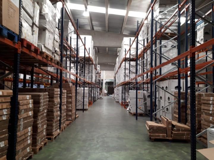 Nau industrial en lloguer de 4.306 m² - Sabadell, Barcelona #3