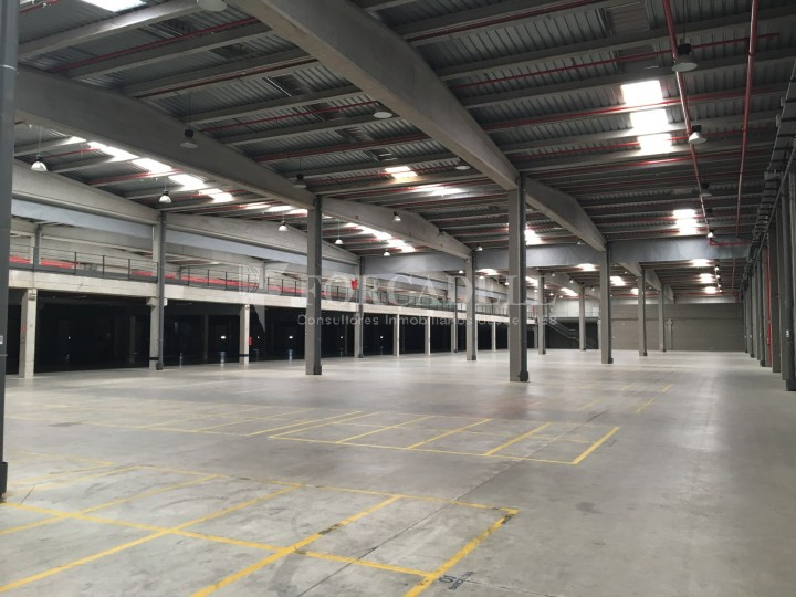 Nau industrial en lloguer de 11.332 m² - Les Franqueses del Vallès, Barcelona #2