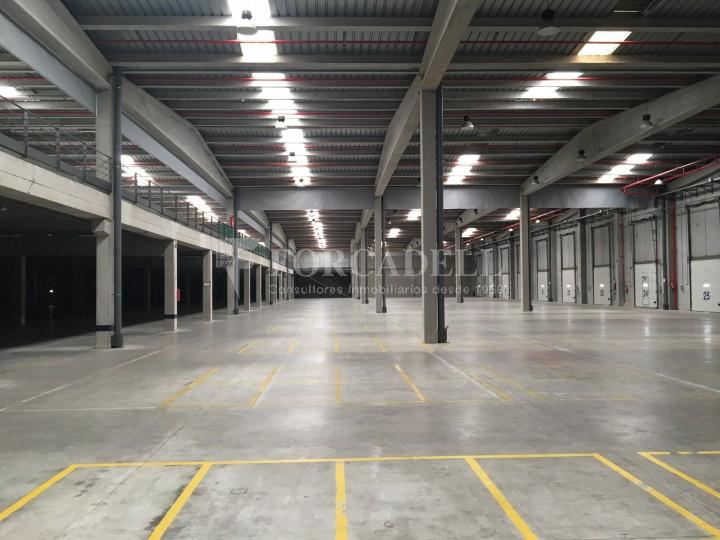 Nau industrial en lloguer de 11.332 m² - Les Franqueses del Vallès, Barcelona #4