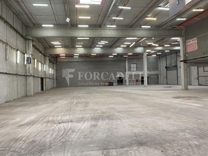 Nau industrial de lloguer de 3.462 m² - Viladecans, Barcelona 2