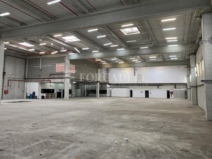 Nau industrial de lloguer de 3.462 m² - Viladecans, Barcelona 3