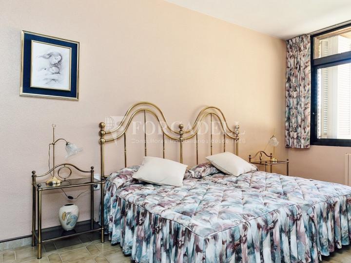 Casa con terreno anexo con árboles frutales, en la comarca de La Selva. Girona.  22