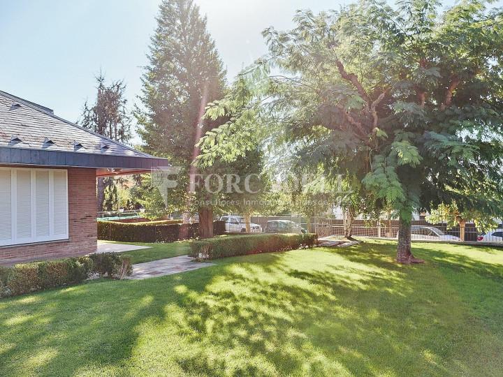 Casa con terreno anexo con árboles frutales, en la comarca de La Selva. Girona.  60