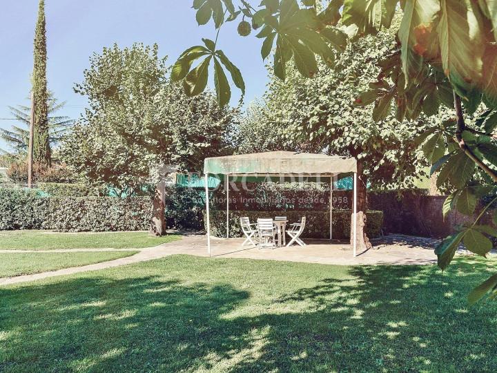 Casa con terreno anexo con árboles frutales, en la comarca de La Selva. Girona.  63