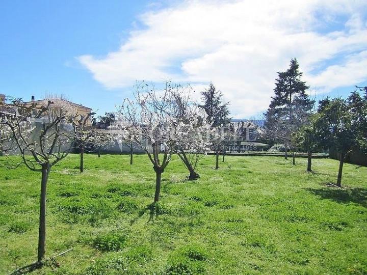 Casa con terreno anexo con árboles frutales, en la comarca de La Selva. Girona.  67
