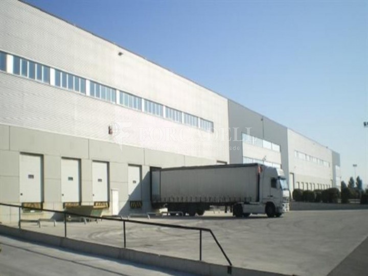 Nau logística en lloguer de 11.020 m² - La Granada, Barcelona 1