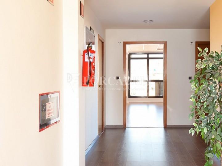 Oficina exterior i lluminosa barcelona centre cod 12345 for Oficina treball barcelona