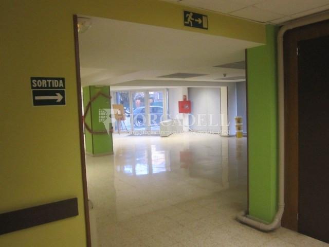 Local en lloguer al C. Creu. Barcelona. Cod. 12741 9