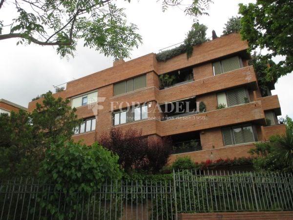Àtic dúplex amb terrasses en Tres Torres. A13189