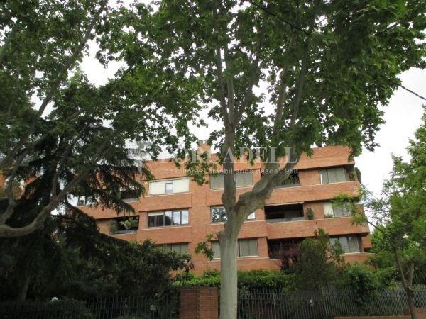 Àtic dúplex amb terrasses en Tres Torres. A13189 4