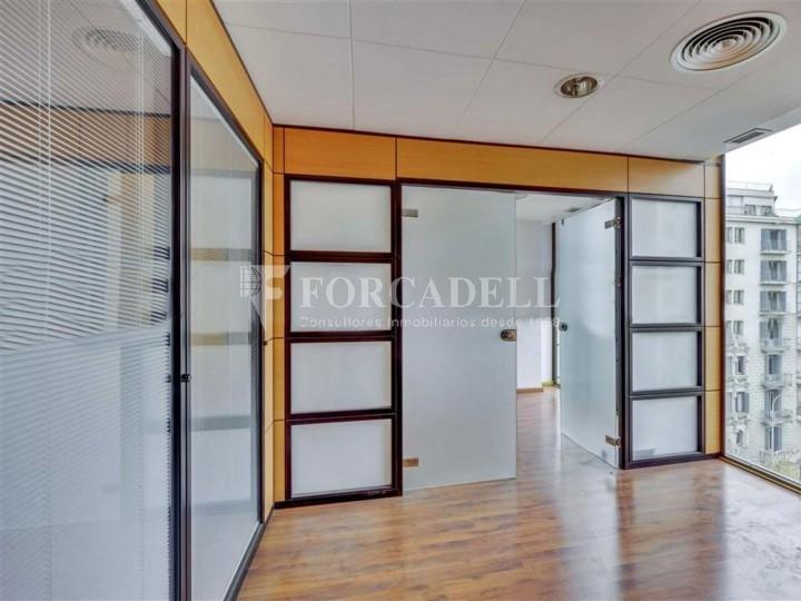 Oficina disponible en lloguer situada al carrer Aragó amb Rambla Catalunya. Barcelona.  #5