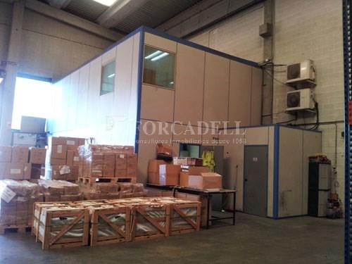 Nau industrial en lloguer de 631 m² - Pol. Ind. Gran via Sud Cod. 14616  4