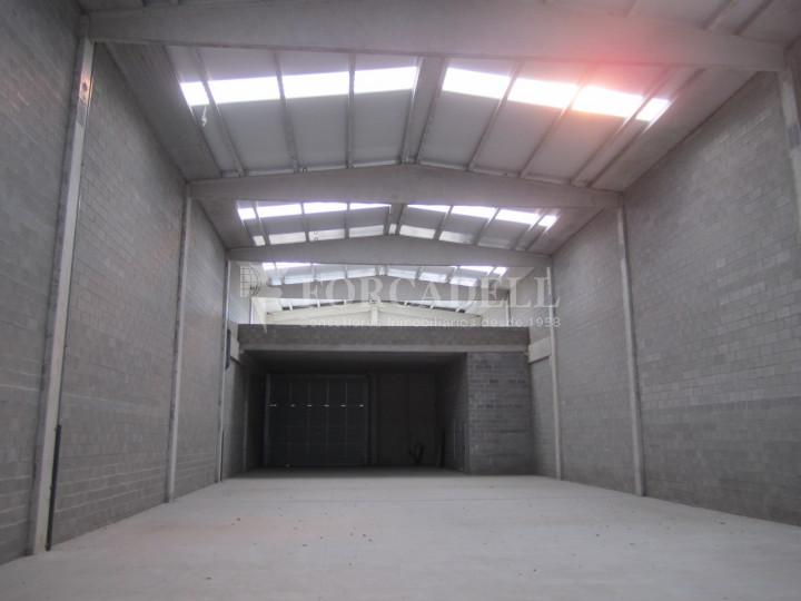 Nau industrial en lloguer de 650 m² - La Roca del Vallès, Barcelona  #4