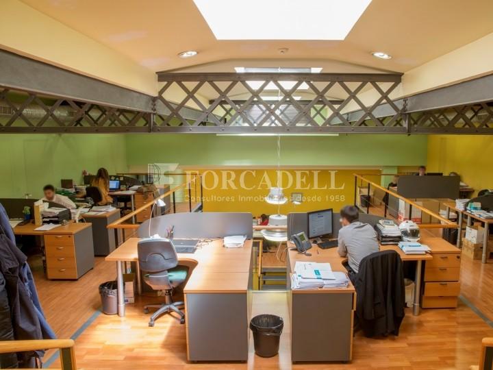 Oficina en lloguer en edifici cl ssic c pau claris for Oficina treball barcelona