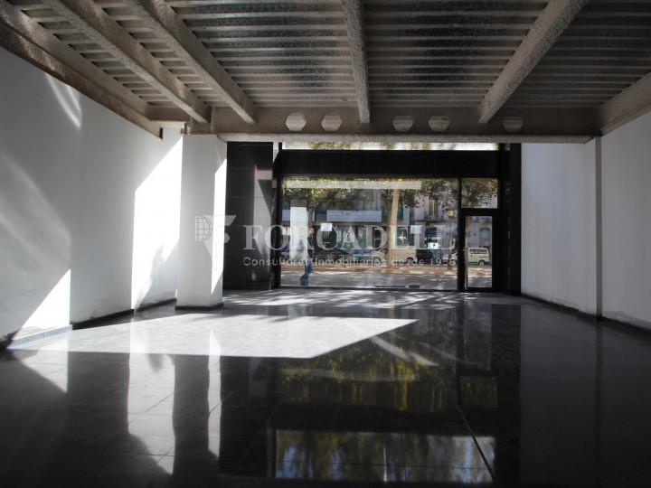 Local en el centro de Lleida, en alquiler. Lleida.  #4