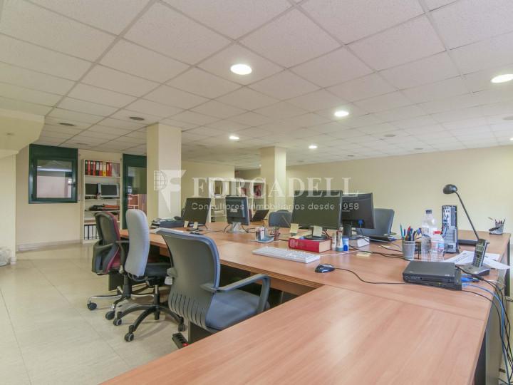 Oficina exterior i lluminosa per entrar. C. Sancho de Ávila. #2