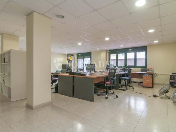 Oficina exterior i lluminosa per entrar. C. Sancho de Ávila. #6