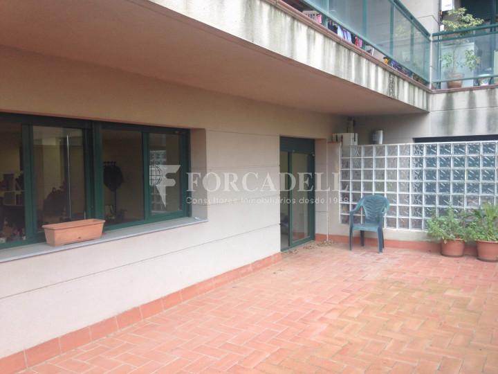 Oficina exterior i lluminosa per entrar. C. Sancho de Ávila. #7