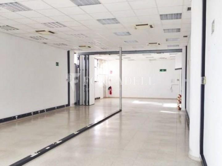 Oficina lluminosa al Pol Ctra del Mig. Hospitalet de Llobregat. 3