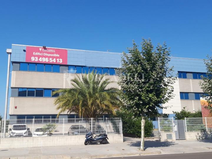 Oficina en lloguer en edifici corporatiu situat en el Prat del Llobregat.  #1