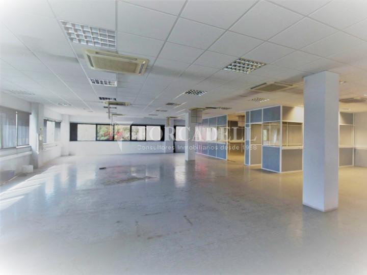 Oficina en lloguer en edifici corporatiu situat en el Prat del Llobregat.  #3