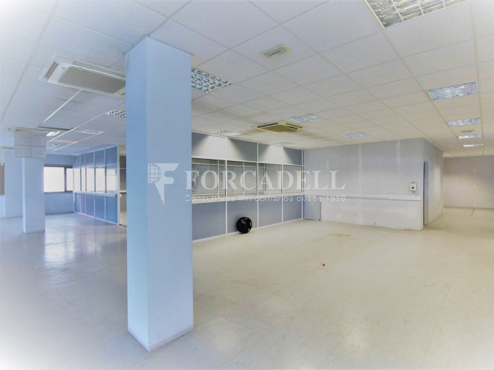 Oficina en lloguer en edifici corporatiu situat en el Prat del Llobregat.  #4