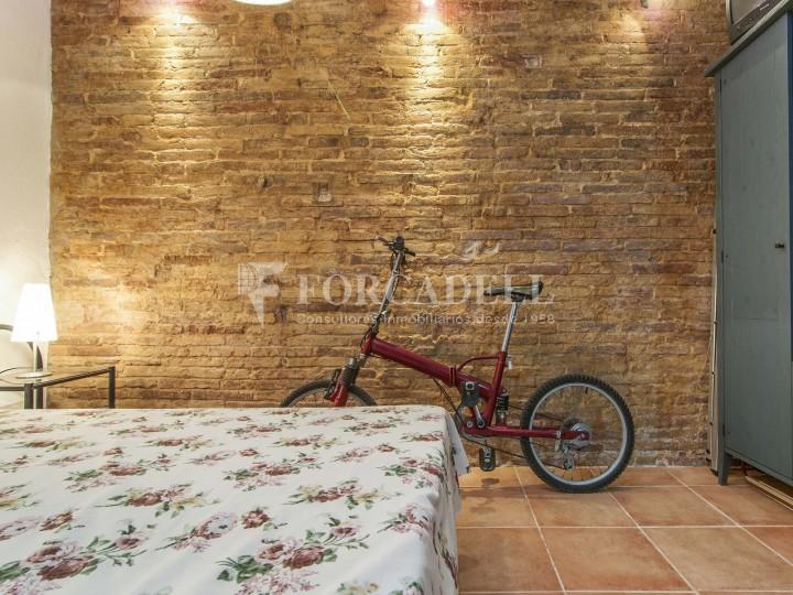 Pis moblat i reformat d'un dormitori en La Barceloneta de Barcelona. 8