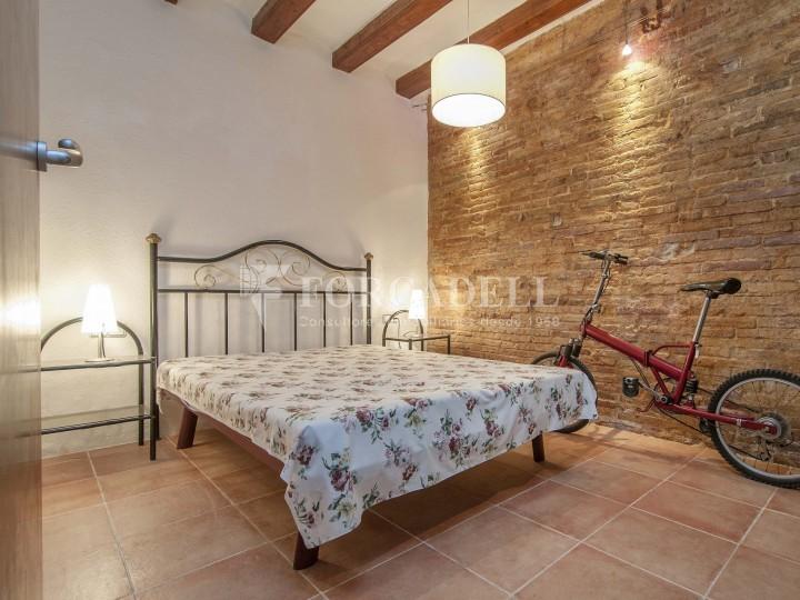 Pis moblat i reformat d'un dormitori en La Barceloneta de Barcelona. 9