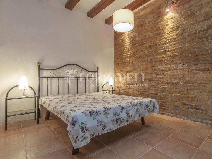 Pis moblat i reformat d'un dormitori en La Barceloneta de Barcelona. 10