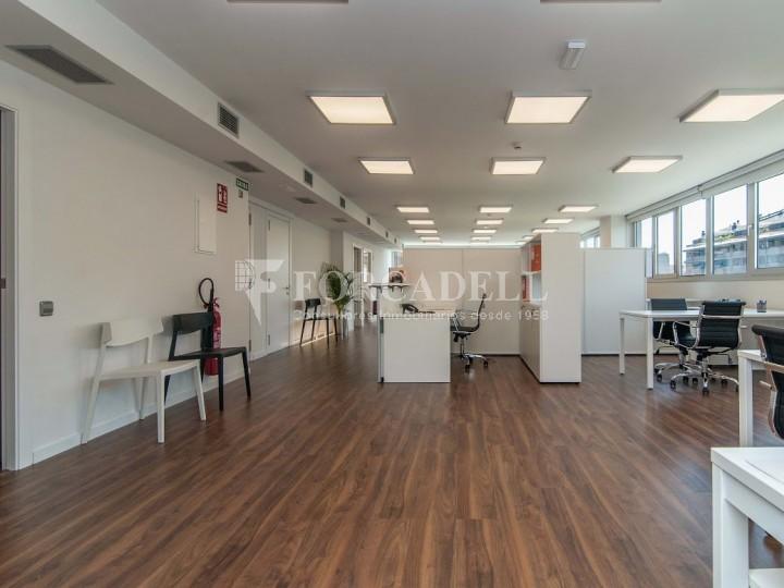 Oficina exterior i diàfana en lloguer. Av. Meridiana. Barcelona. #5