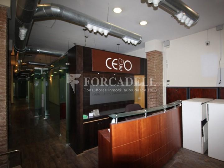 Local disponible al barri de Sant Antoni - Eixample.  #3
