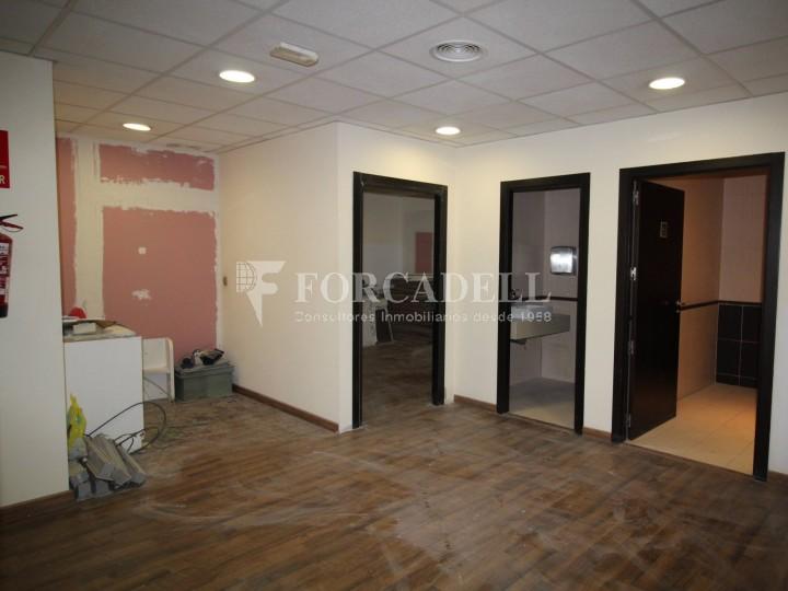 Local disponible al barri de Sant Antoni - Eixample.  #5