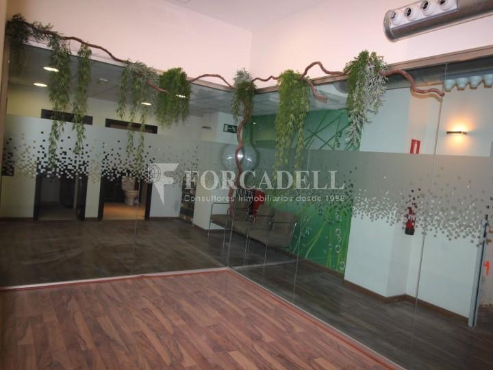 Local disponible al barri de Sant Antoni - Eixample.  #7