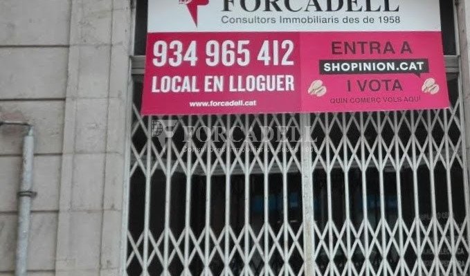Commercial premises available on Valencia street a few meters from Joan Miro park. Barcelona. 1