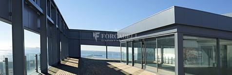 Oficina de lloguer lluminosa, davant del mar. Passeig Joan de Borbó. Barceloneta. 14