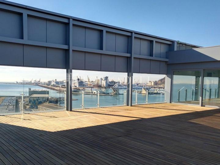 Oficina de lloguer lluminosa, davant del mar. Passeig Joan de Borbó. Barceloneta. 3