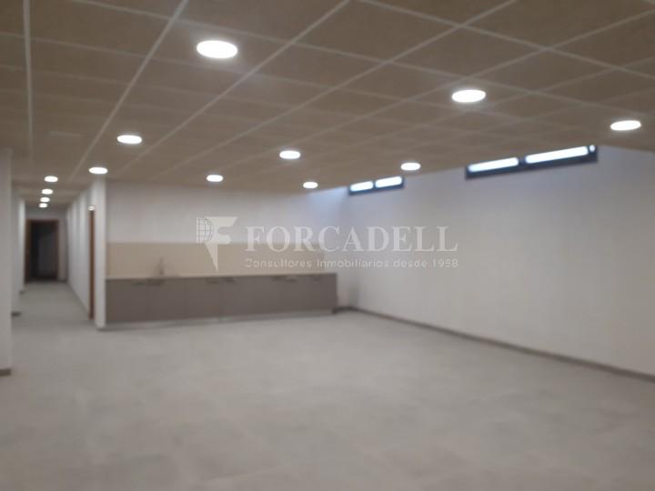 Nau industrial en venda o lloguer d'3.247,45 m² - Sant Joan Despi, Barcelona #8